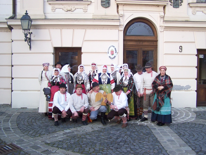 Seto delegation front of the City hall in Veszprém